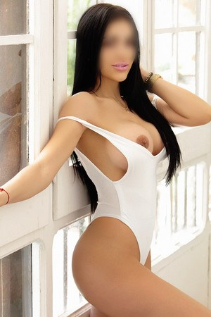 Antonela colombian escort in Barcelona