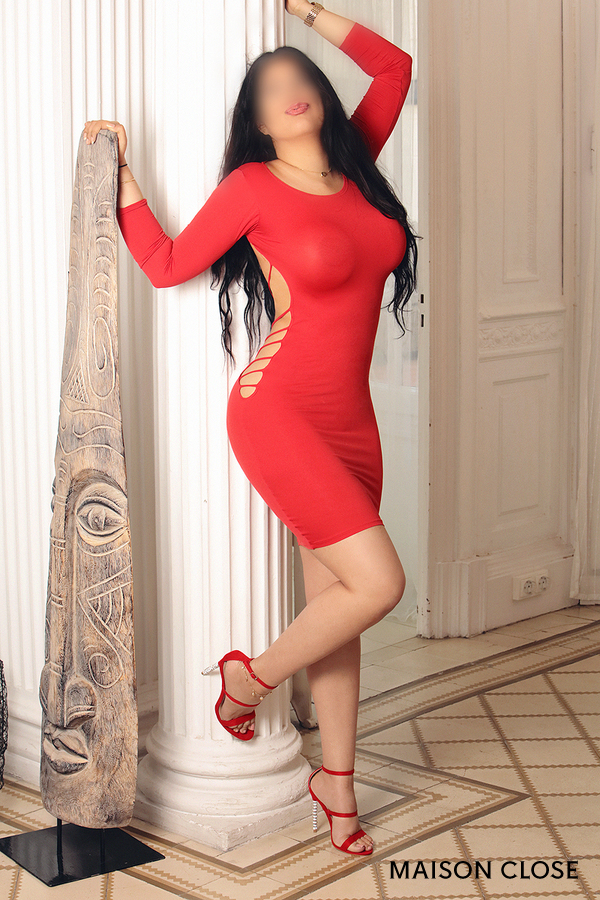 Violeta, escort Latin in Barcelona expert in greek