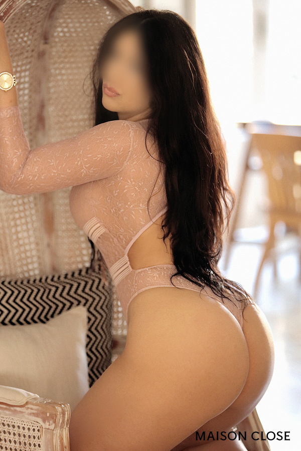 Violeta, Latin luxury escort 24 years old for greek in Barcelona