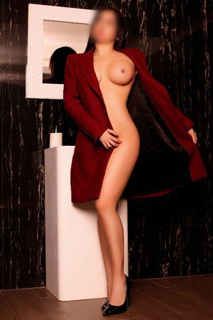 Flor spanish escort in Barcelona