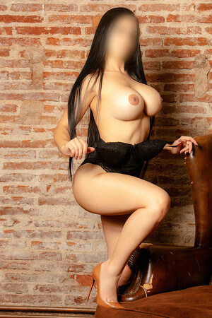 Candy colombian escort in Barcelona