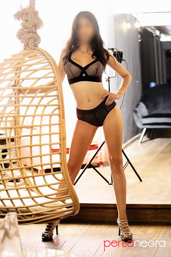 Spanish luxury escort in Barcelona with black lace lingerie, Rosi