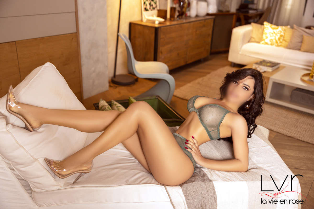 Brazilian Escort in Barcelona with transparent shoes, Isabella
