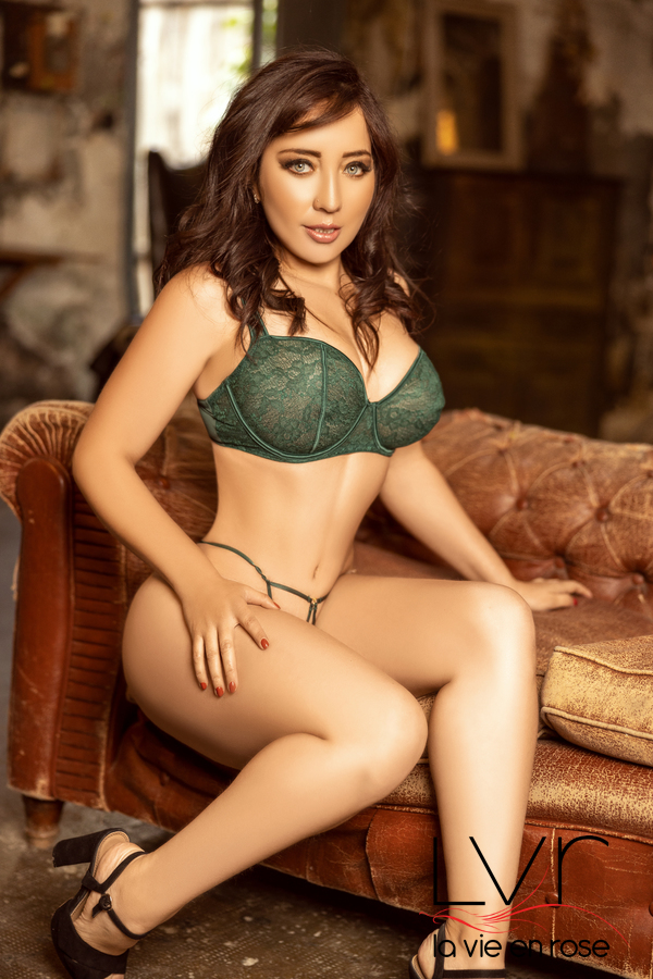 Colombian Escort in Barcelona with Green Bra, Karol