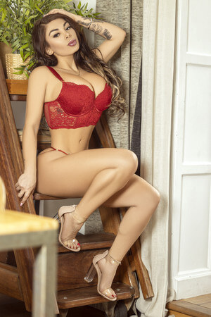 Paris colombian escort in Barcelona