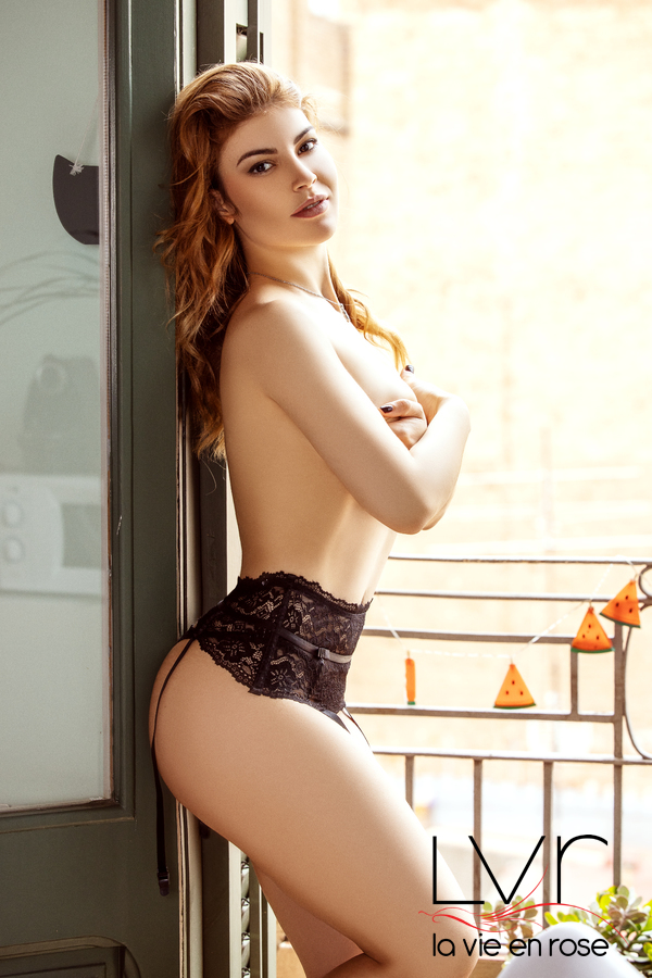 Bella, escort Spanish in Barcelona expert in girlfriend experience