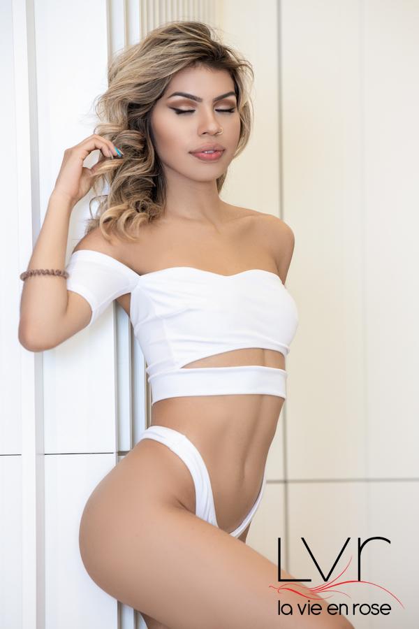 Vanessa, exótica escort en Barcelona de 18 años