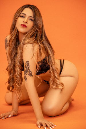 Amber: Latin escort in Barcelona